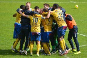 サッカーのピア:仲間・チームメイト・ライバル