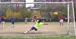 サッカーのPK画像