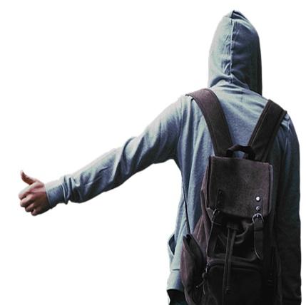 リュックサックを背負う男性の画像