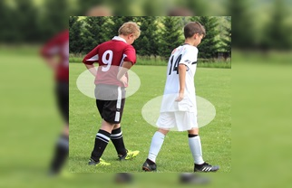 子供のサッカーユニフォームの裾についてのサムネイル画像:サカボンによる編集
